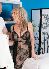 Full-body fuck massage - Tarise Taylor and J Mac (50 Photos) - 40 Something