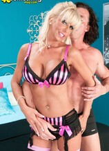 Stormy Lynne's shocking little porno - Stormy Lynne and Tony D'Sergio (42 Photos) - 40 Something