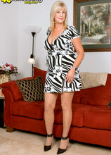 Anneke Nordstrum - Anneke Nordstrum and Joey Ray (80 Photos) - 40 Something