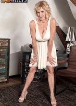 Molly does Marilyn - Molly Maracas (86 Photos) - 50 Plus MILFs