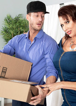 Vanessa, the fuck machine and the delivery man - Vanessa Videl and Ryan Mclane (79 Photos) - 50 Plus MILFs