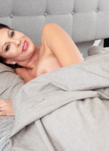How a sexy MILF starts her day - Vanessa Videl (60 Photos) - 50 Plus MILFs