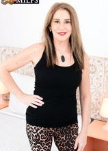 Arianna Steele DPs herself - Arianna Steele (88 Photos) - 50 Plus MILFs