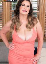 <b>Josie Ray's anal debut</b> - Josie Ray and Tony Rubino (46 Photos) - 50 Plus MILFs