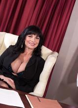 Anal and a creampie for President Elektra - Elektra and Tarzan (60 Photos) - 50 Plus MILFs