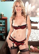 MILF, divorcee and proud owner of our longest nipples ever - Jenna Covelli and Juan Largo (62 Photos) - 50 Plus MILFs
