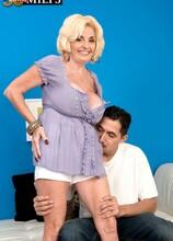 Missy's from Alabama, so slam her! - Missy Thompson and Juan Largo (33 Photos) - 50 Plus MILFs