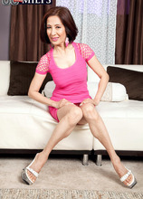 Can Kim get that big toy into her pussy? - Kim Anh (80 Photos) - 60 Plus MILFs