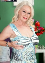 Facially yours - Angelique DuBois and Rocky (40 Photos) - 60 Plus MILFs