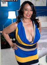 66-year-old first-timer gets a creampie! - Rochelle Sweet and Tony D'Sergio (50 Photos) - 60 Plus MILFs