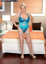 This time, a creampie - Lin Boyde and Juan Largo (43 Photos) - 60 Plus MILFs