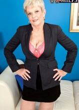 She's The Boss - Lin Boyde and Al B (36 Photos) - 60 Plus MILFs