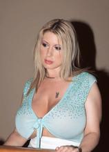Her Big Tits Open All Doors - Summer Sinn and Levi Cash (50 Photos) - Scoreland
