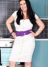From Seamstress To Sexy Model - Sabrina-Jade (50 Photos) - Scoreland