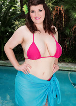 Swimsuit Sizzle - Dulcinea (50 Photos) - Scoreland