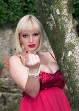 Gorgeous In The Garden - Sophie Mae (70 Photos) - Scoreland