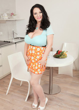Juicy Fruits - Joana Bliss (50 Photos) - Scoreland