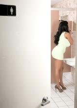 Peeper In The Ladies Room - Danni Lynne (60 Photos) - Scoreland