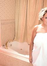 Boobs & Bubbles - Katie Thornton (65 Photos) - Scoreland