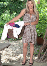 She'll Starch Your Shorts - Veronika (45 Photos) - Scoreland
