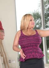 The Busty Realtor - Liza Biggs and Carlos Rios (135 Photos) - Scoreland