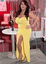 Burlesque Star - Stephanie Stalls (55 Photos) - Scoreland