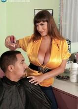 Hairdresser With Hooters - Valory Irene (50 Photos) - Scoreland