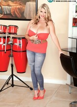 Big Bongos - Melissa Manning (50 Photos) - Scoreland