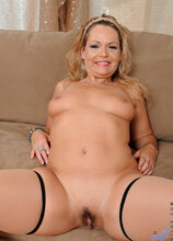 Anilos - Hottwat featuring Kelly Leigh. (Photos)
