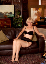 Anilos - Couchrub featuring Penny. (Photos)