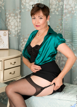 Anilos - Mature Model featuring Kitty Creamer. (Photos)