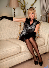 Anilos - Couchrub featuring Cathy Oakely. (Photos)