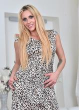 Anilos - Sexy Mature featuring Brittany Bardot. (Photos)
