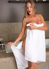 Anilos - Bath Time featuring Amber Michaels. (Photos)