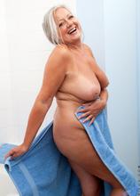 Anilos - Bathtime Play featuring April Thomas. (Photos)