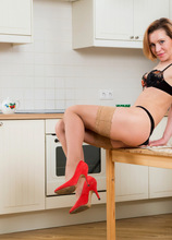 Anilos - Hot Housewife featuring Alice Wonder. (Photos)