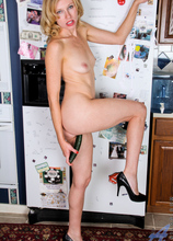 Anilos - Kitchen Play featuring Mary Jane. (Photos)