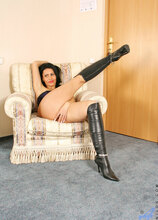 Anilos - Hookerboots featuring Nelli. (Photos)