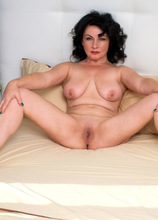 Anilos - Red Hot featuring Helen He. (Photos)