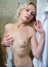 Anilos - Hot And Wet featuring Artemia. (Photos)