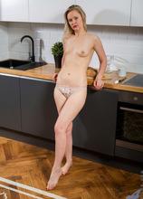 Anilos - Blonde Babe featuring Midge. (Photos)