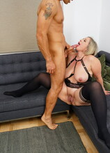 Curvy mature Shooting Star loves fucking a hard throbbing cock
