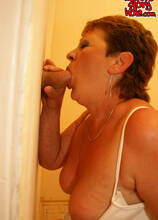 Cockhungry mature slut fed on the toilet