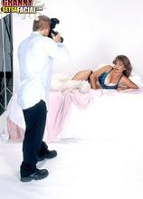 Picture perfect - Veronica (25:00 Min.) - MILF Bundle