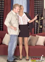 How a MILF sells real estate - Cassy Sullivan (21:35 Min.) - MILF Bundle