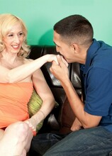 A creampie for the new girl - Jackie Pierson (19:58 Min.) - MILF Bundle
