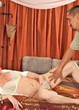 Austrian hottie takes it in the ass - Shasha (25:51 Min.) - MILF Bundle