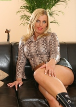 Horny older woman Janet spreads pussy before masturbating. in Karupsow | Elite Mature