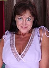 Busty cougar Cynthia Davis toys her juicy twat. in Karupsow | Elite Mature