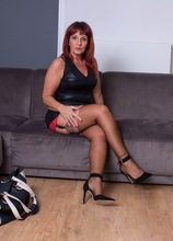 Thick mature babe Beau Diamonds toys her beautiful twat. in Karupsow | Elite Mature